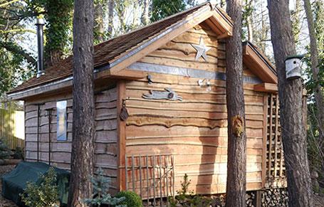 Cedar Shakes Add Rustic Appearance to Teasel's Wood Cabin
