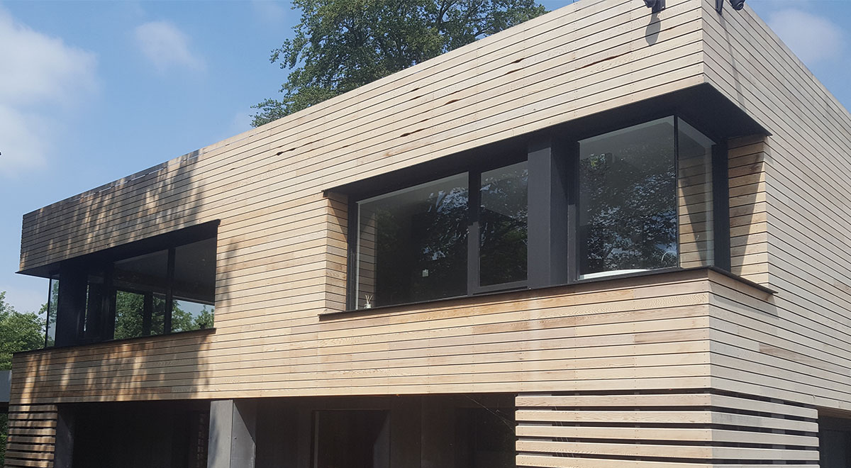 Western Red Cedar Cladding Modernises 1970's House