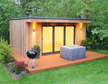 Garden Building Creates Summer Retreat