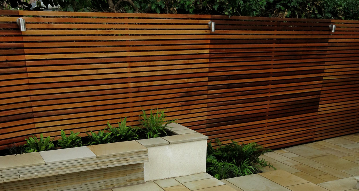 Picture of: Small Garden Space Enhanced Visually With Horizontal Western Red Cedar Battens Silva Timber