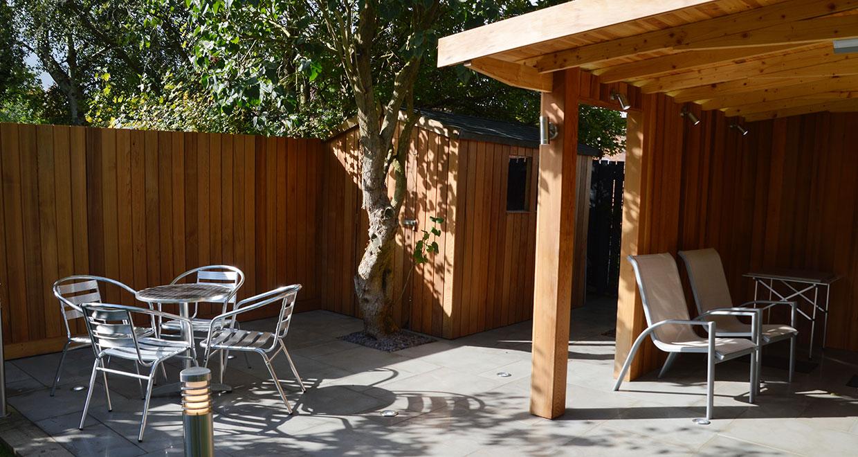 Western Red Cedar Creates Aromatic Outdoor Kitchen