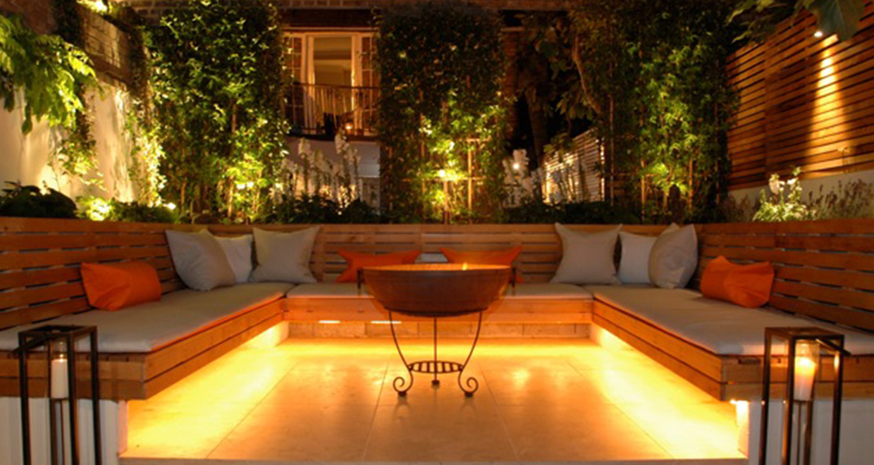 Urban West London Garden Uses Contemporary Slatted Screen Fencing